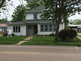 3 Bedroom, 2 Bathrooms,  308 S. Third Greenville, IL