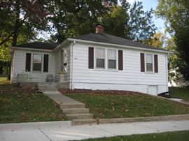 3 Bedroom, 1 Bathrooms,  843 Wyatt Greenville, IL